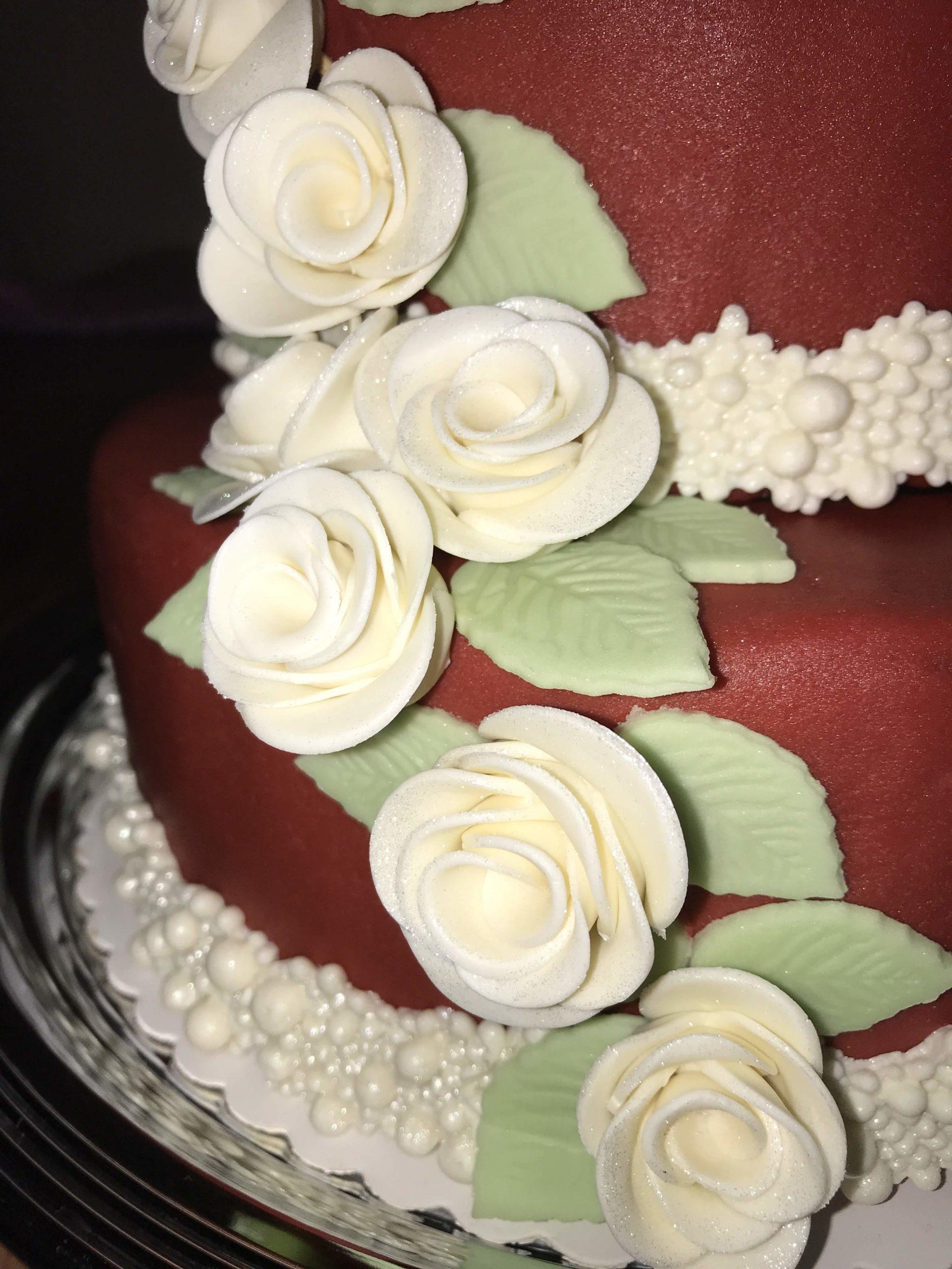 Hochzeitstorte rot
