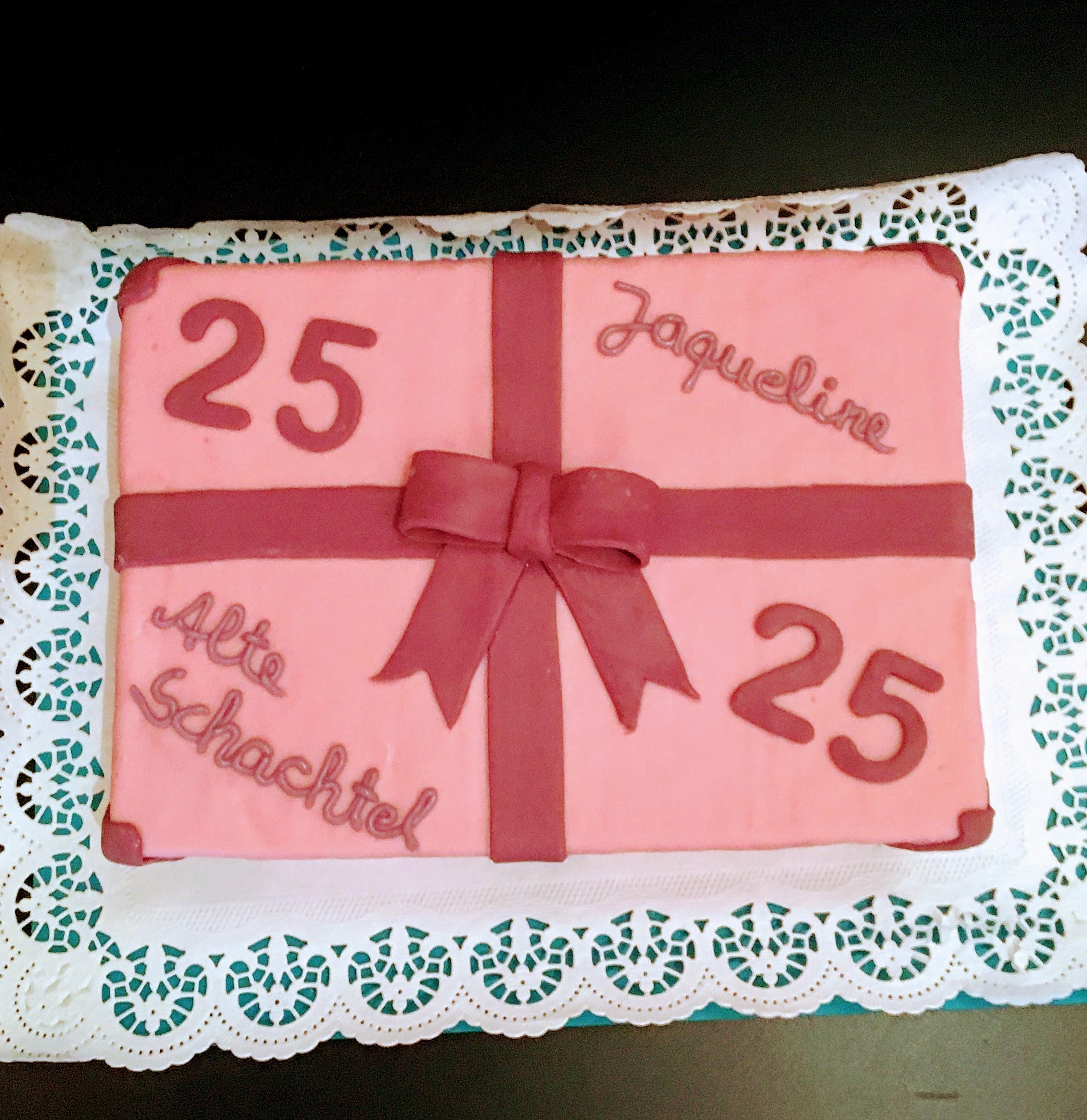 Alte Schachtel Torte