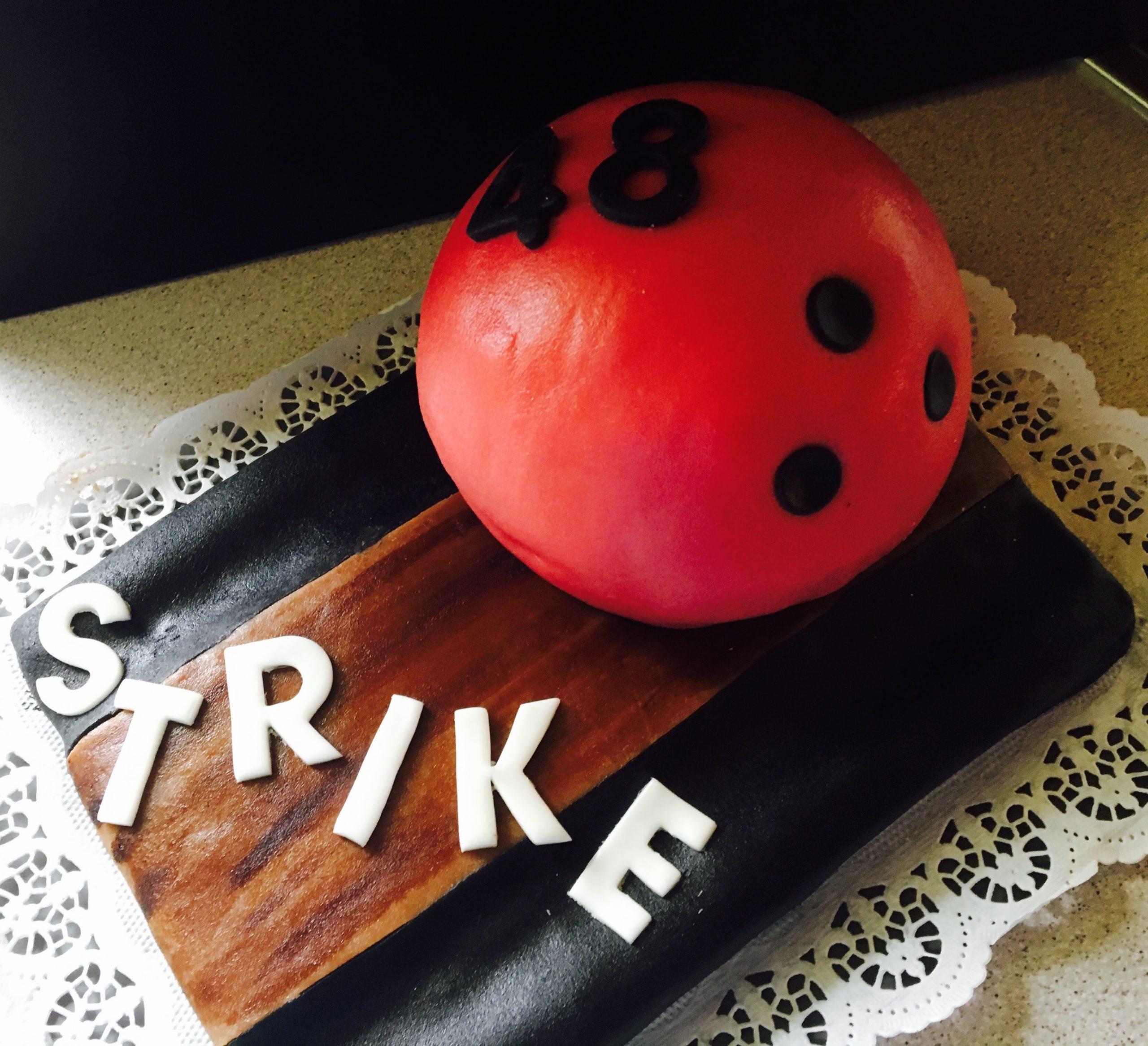 Bowling Torte