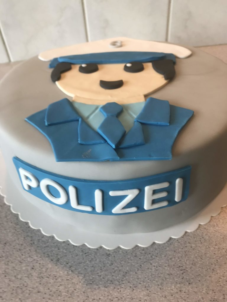Playmobil Polizist Torte