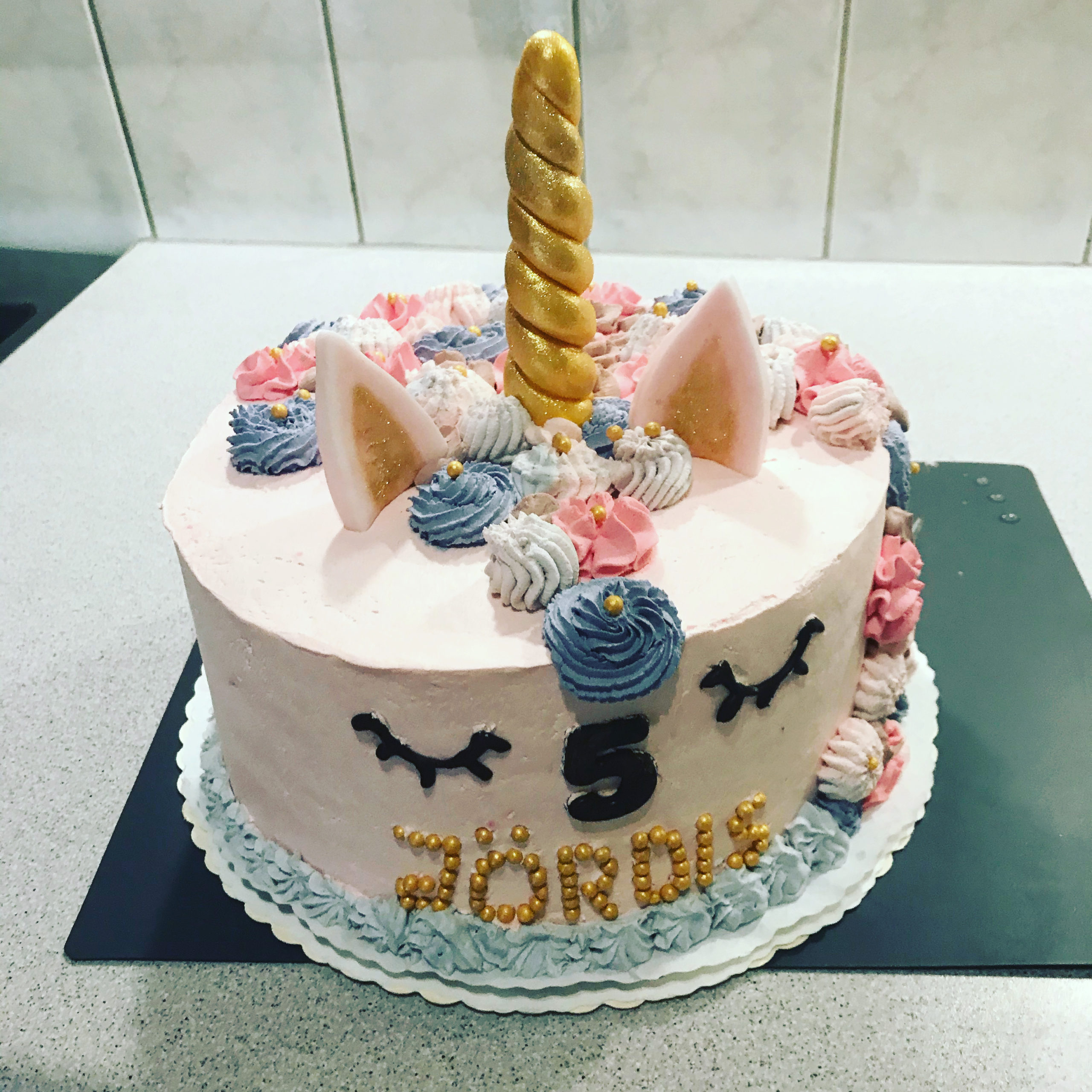 Einhorn Torte in gold